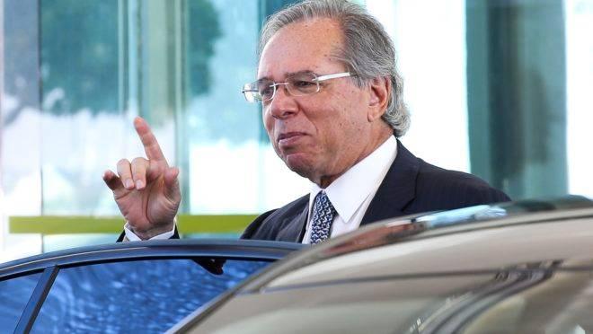 Ministro Paulo Guedes propôs na PEC do Pacto Federativo a criação de um Conselho Fiscal.