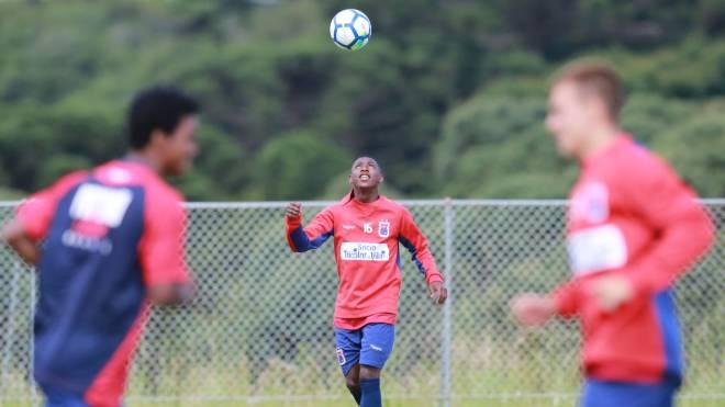 Jhonny Lucas se despediu do Paraná Clube para defender clube belga