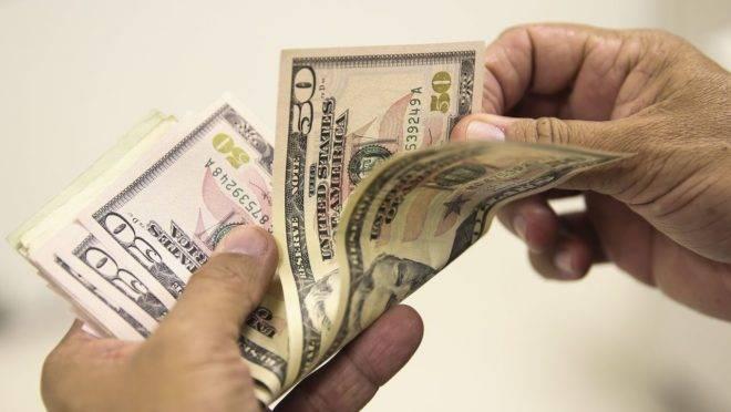 Guerra comercial entre China e Estados Unidos continua fazendo o dólar crescer frente ao real
