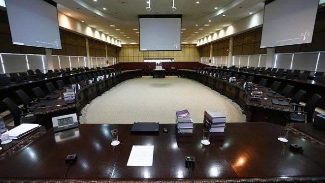 O pleno do Tribunal do Justiça do Paraná votou para definir a lista tríplice para vaga de desembargador.