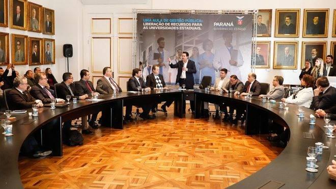 Ratinho se reúne com representantes das universidades estaduais
