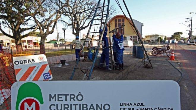 Em 2009, funcionários que trabalhavam no bairro Capão Raso usavam a marca Metrô Curitibano