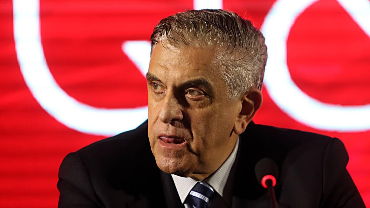 Petraglia deixou o cargo de presidente do Athletico para ser CEO remunerado