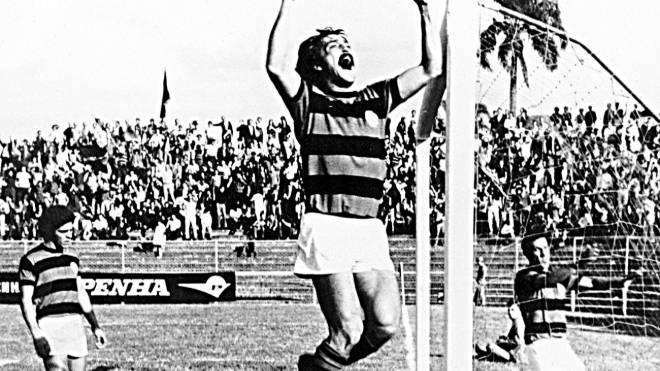 Foto que servirá como pose para estátua do maior artilheiro da história do Athletico