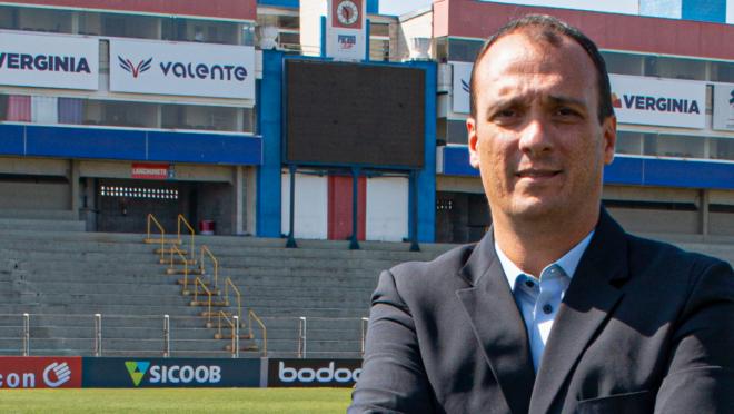 Alex Brasil promete reforçar o time do Paraná