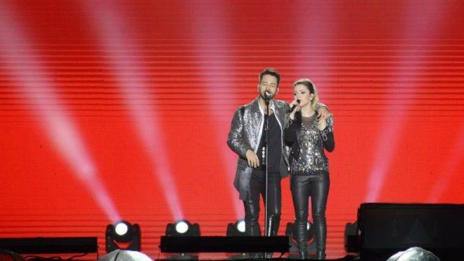 Show na Pedreira recebeu 23 mil pessoas que se emocionaram com os sucessos da dupla. Fotos: Letícia Akemi/Gazeta do Povo.