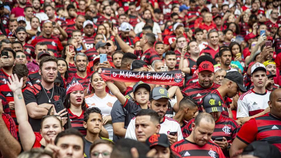 Fla acerta em campo e fora. E se impõe sobre Palmeiras em Maracanã sempre cheio