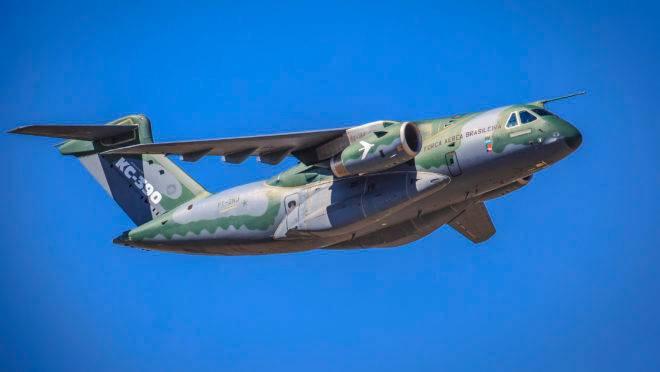 A Embraer entrega o primeiro KC-390, cargueiro militar, para a Força Aérea Brasileira , nesta quarta (4).