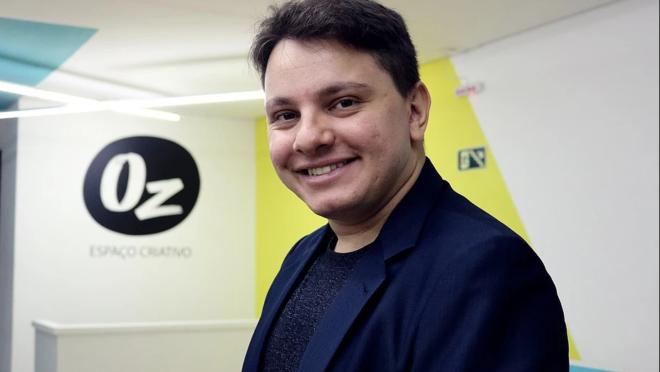 Gian Gonçalves é um dos palestrantes do evento Vai Lá e Faz. Ele é CEO da Agência Yeap! e diretor executivo da Art Session.