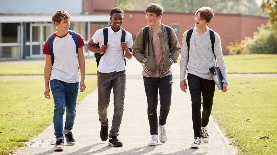 Qual o modelo ideal de ensino integral para manter aluno motivado