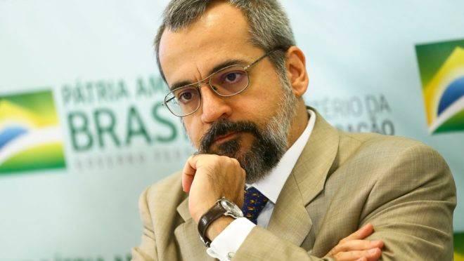 Ministro da Educação, Abraham Weintraub, fala sobre contingenciamento nas universidades