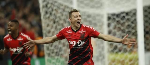 Marco Ruben marcou contra o Fortaleza no final da partida