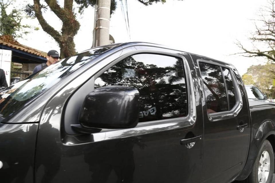 Beto Richa chega à sede do Gaeco (Foto: Aniele Nascimento/Gazeta do Povo)