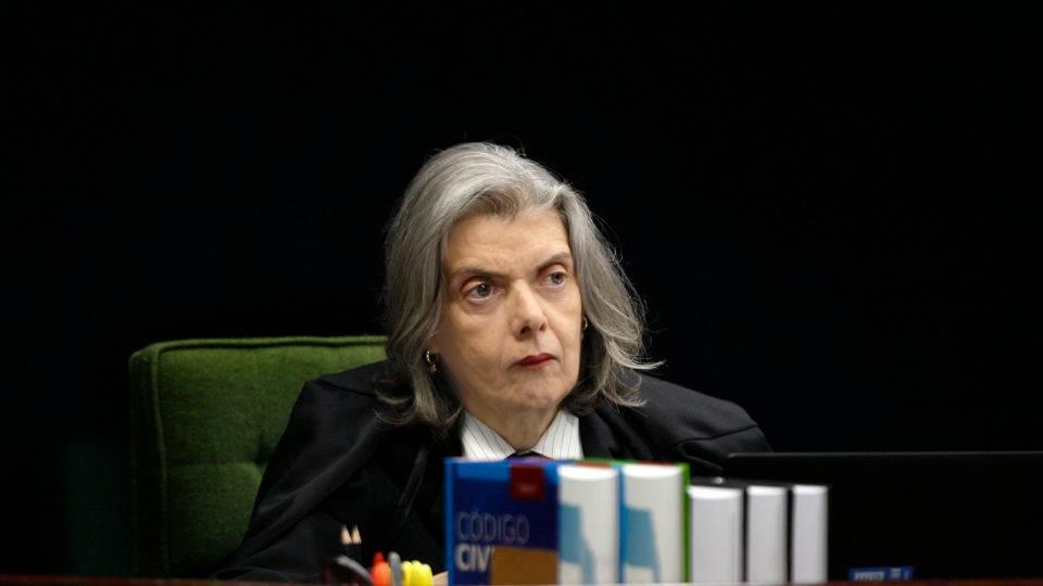 """STF marca julgamento de ação sobre """"dossiê antifacista"""" elaborado pela Justiça"""