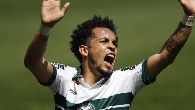 Rafinha fez o gol do Coritiba, mas não evitou a derrota. Foto: Jonathan Campos/Gazeta do Povo