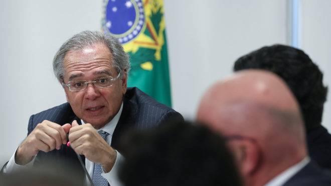 O ministro da Economia, Paulo Guedes, em encontro com outros ministros do governo Bolsonaro.