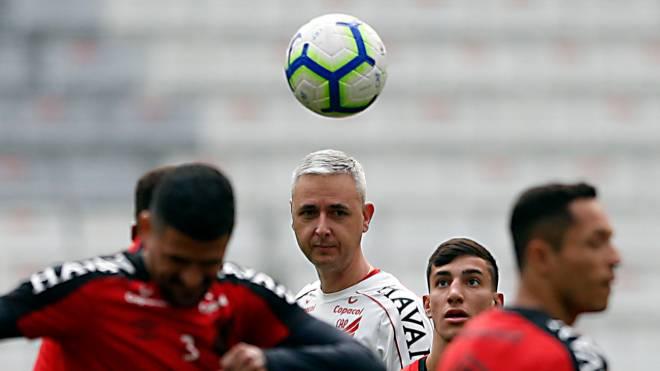 """Técnico Tiago Nunes diz que final da Copa do Brasil é """"sonho de criança"""""""