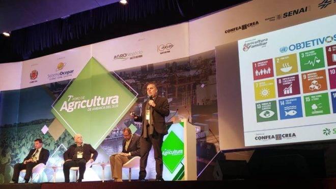 Painel sobre Agricultura Familiar no 7º Fórum de Agricultura da América do Sul