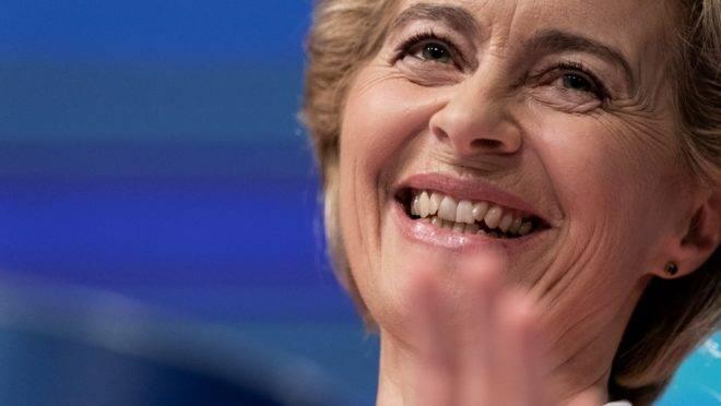 A presidente eleita da Comissão Europeia, Ursula von der Leyen, em coletiva de imprensa para anunciar os nomes dos novos comissários europeus, 10 de setembro de 2019, em Bruxelas