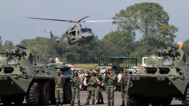 Membros da Guarda Nacional participam de exercício militar no aeroporto de Garcia Hevia, em La Fría, no estado venezuelano de Táchira, 10 de setembro de 2019