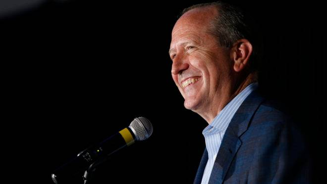 Candidato republicano Dan Bishop, ganhou as eleições para o Congresso americano