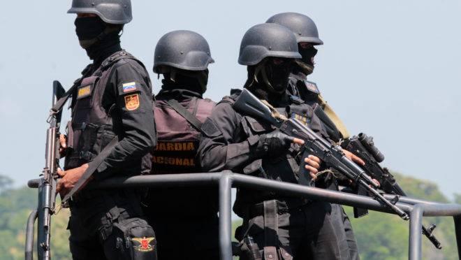 Membros da Guarda Nacional da Veneuela participam de exercício militar no aeroporto Garcia Hevia, em La Fria, no estado venezuelano de Táchira, 10 de setembro de 2019