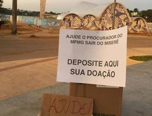 Placa foi colocada em frente à Igreja da Pampulha, em Belo Horizonte.
