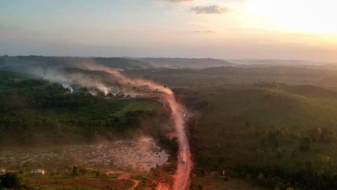 Imagem mostra queimada próxima à Transamazônica, em Rurópolis, no Pará, no dia 6 de setembro de 2019