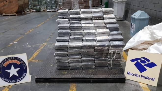 Carga de 608 kg de cocaína foi a terceira interceptada pela Receita Federal no Porto de Panaguá até aqui em setembro.