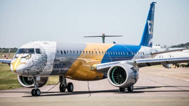 Em abril, a Embraer recebeu a liberação de voo comercial pelos três órgãos reguladores