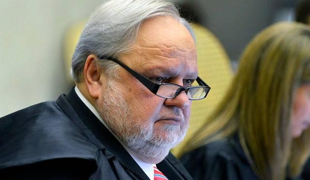 Relator da Lava Jato no  STJ, ministro Felix Fischer está de licença médica