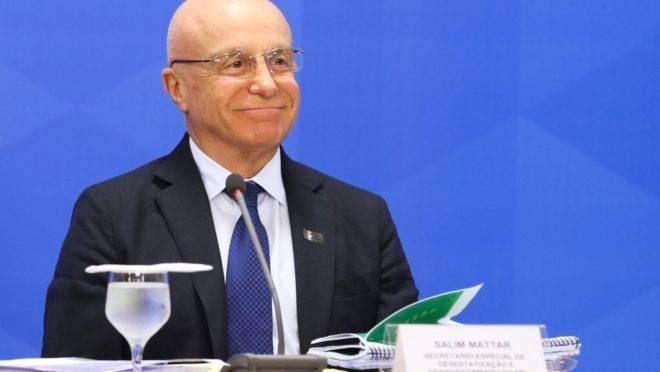 O secretário especial de Desestatização, Salim Mattar, afirma que o governo deve arrecadar até R$ 150 bi com privatizações e vendas de ações.