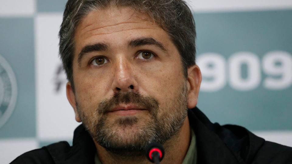 """Pastana relata agressão a presidente do Coritiba e lamenta """"erros individuais"""" da equipe"""