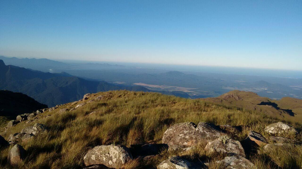 O conjunto de 30 cumes formam os Campos do Quiriri, que proporcionam uma vista única ao longo do trajeto. Foto: Turismo Campo Alegre/divulgação