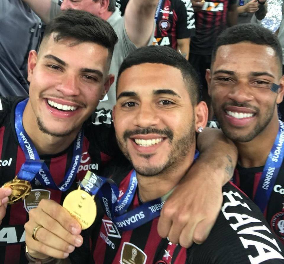 Bruno, Diego Ferreira e Renan Lodi na final do Paranaense 2018