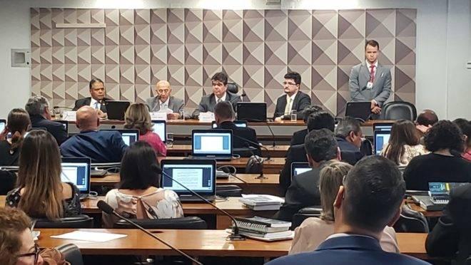 Comissão mista que analisa a MP do Médicos pelo Brasil.