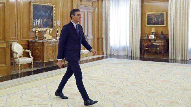 Primeiro-ministro interino da Espanha, Pedro Sánchez, chega para reunião com o rei Felipe VI no Palácio de Zarzuela, Madri, 17 de setembro de 2019