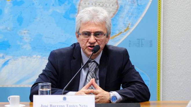 Tostes Neto em audiência no Senado Federal, em 2015.