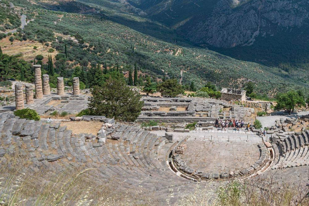 Escolher Delfos como polo exploratório para um passeio de muitos dias pode trazer recompensas inesperadas, como conhecer as ruínas e o famoso Oráculo.  Foto: Maria Mavropoulou/The New York Times