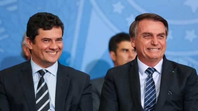 Sergio Moro e Bolsonaro na solenidade de lançamento do projeto Em Frente Brasil, de prevenção ao crime.