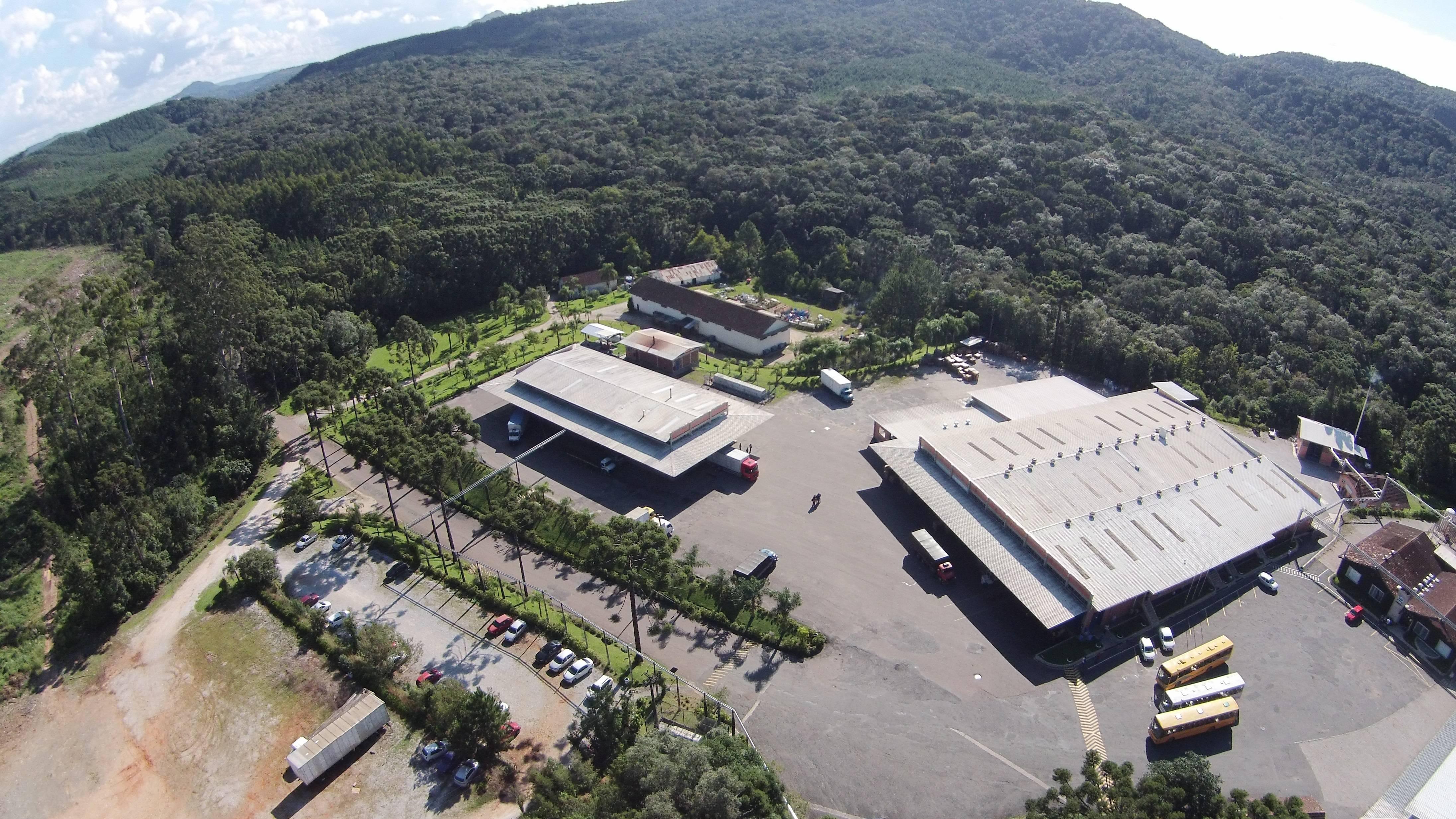 foto aérea fábrica Ouro Fino em Campo Largo