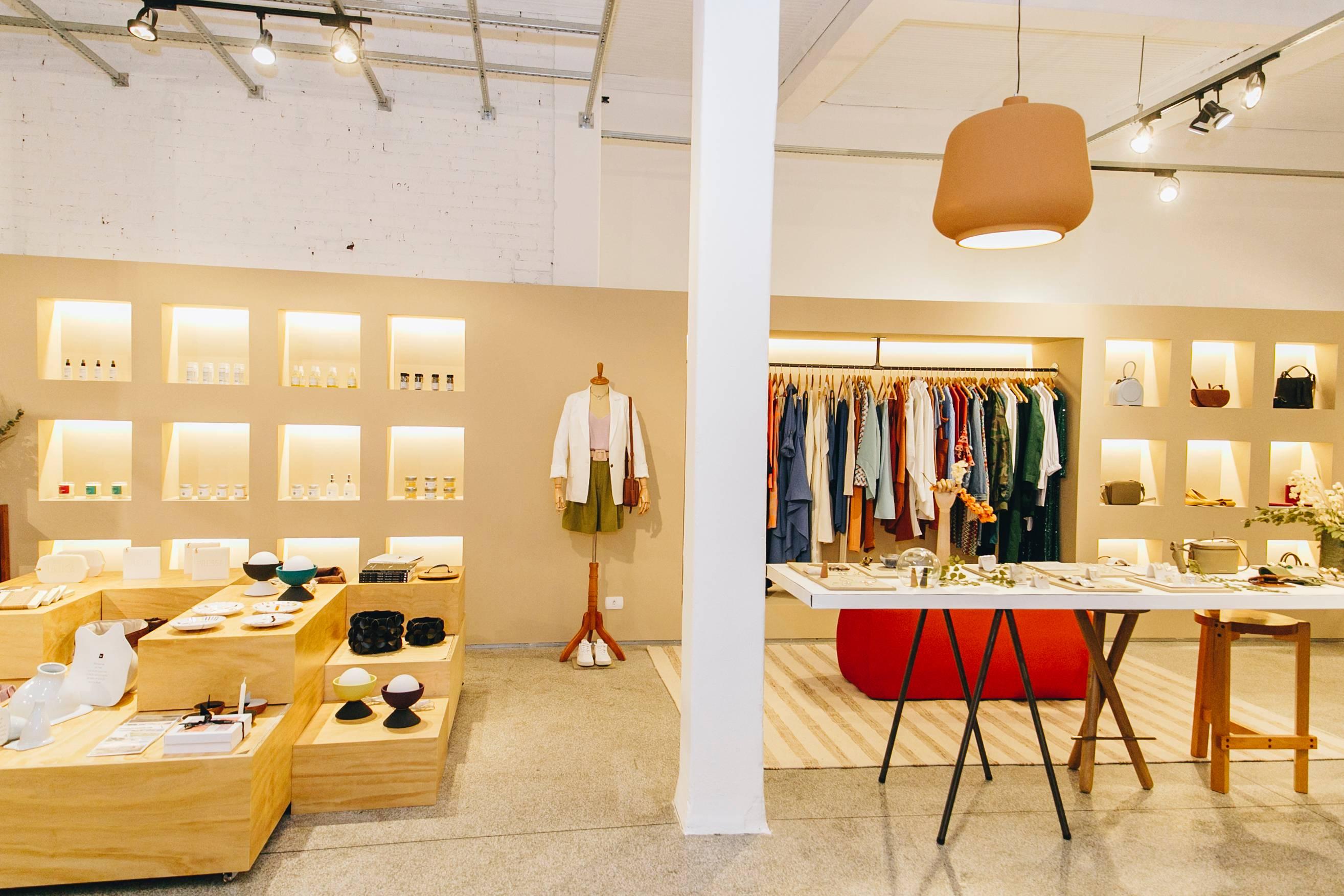 A <em>Outfit4You </em>é a loja de roupas e acessórios do Coletiza. Foto: Amanda Lavorato.