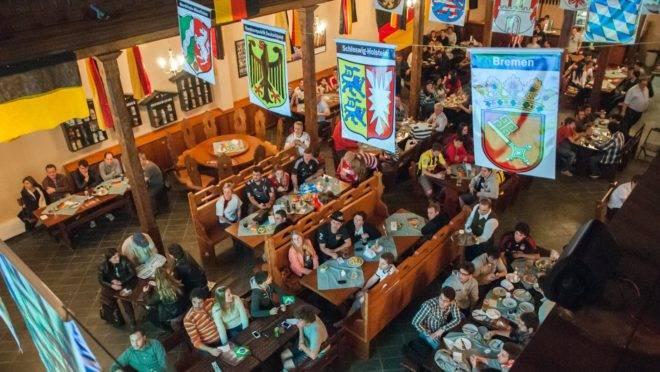 Bar do Alemão completa 40 anos com grande festa.