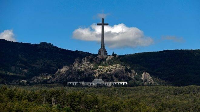 Supremo Tribunal da Espanha aprovou a exumação do general Francisco Franco da Espanha