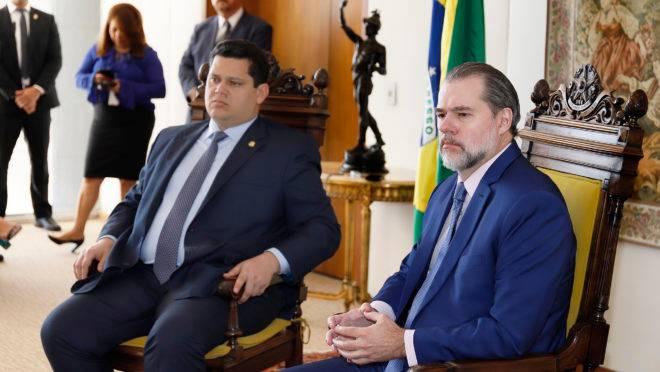 Comitiva liderada por Davi Alcolumbre se encontrou com o presidente do STF, Dias Toffoli