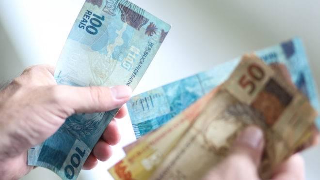 Pesquisa mostra como será o pagamento do décimo terceiro pelos municípios