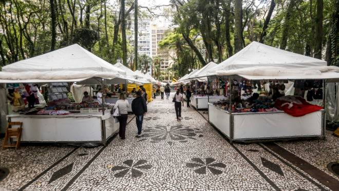 Feira na Praça Osório.