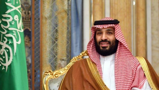 O príncipe da coroa da Arábia Saudita, Mohammed bin Salman, em encontro com o secretário de Estado dos EUA, Mike Pompeo, em Jeddah, Arábia Saudita, 18 de setembro de 2019
