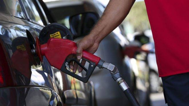 Na última semana, o aumento nas refinarias causou pouco impacto nas bombas de gasolina