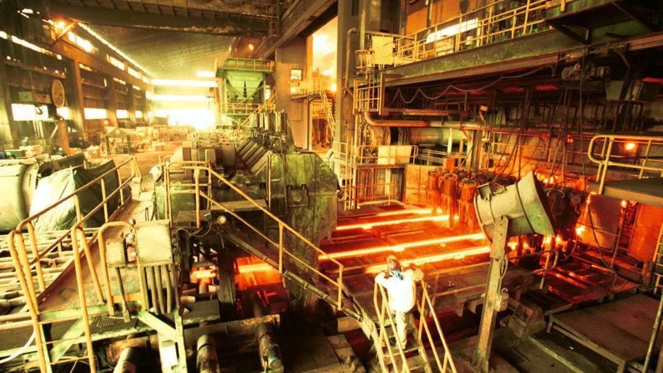 Produção brasileira de aço bruto tem queda de 8,6% até outubro